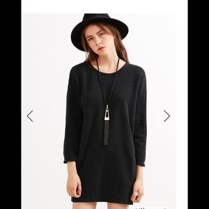 Dresses & Skirts - Long sweatshirt with pockets. This is one-size